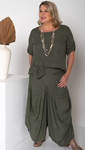 Turk Pants. 100% linen relaxed feel with huge pockets and wide legs. Linen relaxed feel.