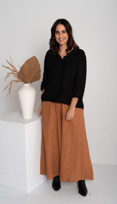 100% linen full length pants. Wide length with elasticated waistband.